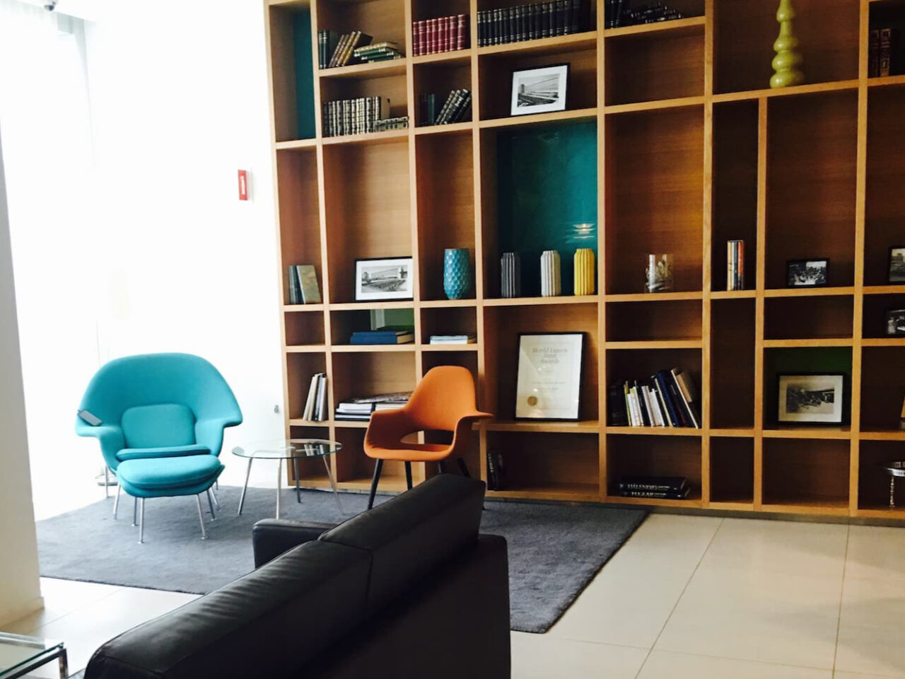 D – Airport Hotel Library