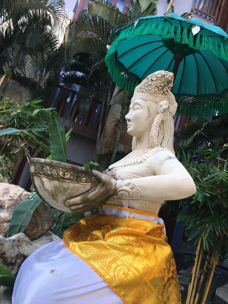 Bali sculpture – intriguing