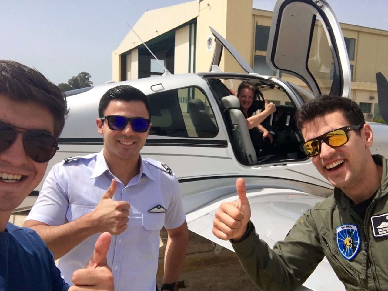 Greek pilots coveting the Cirrus