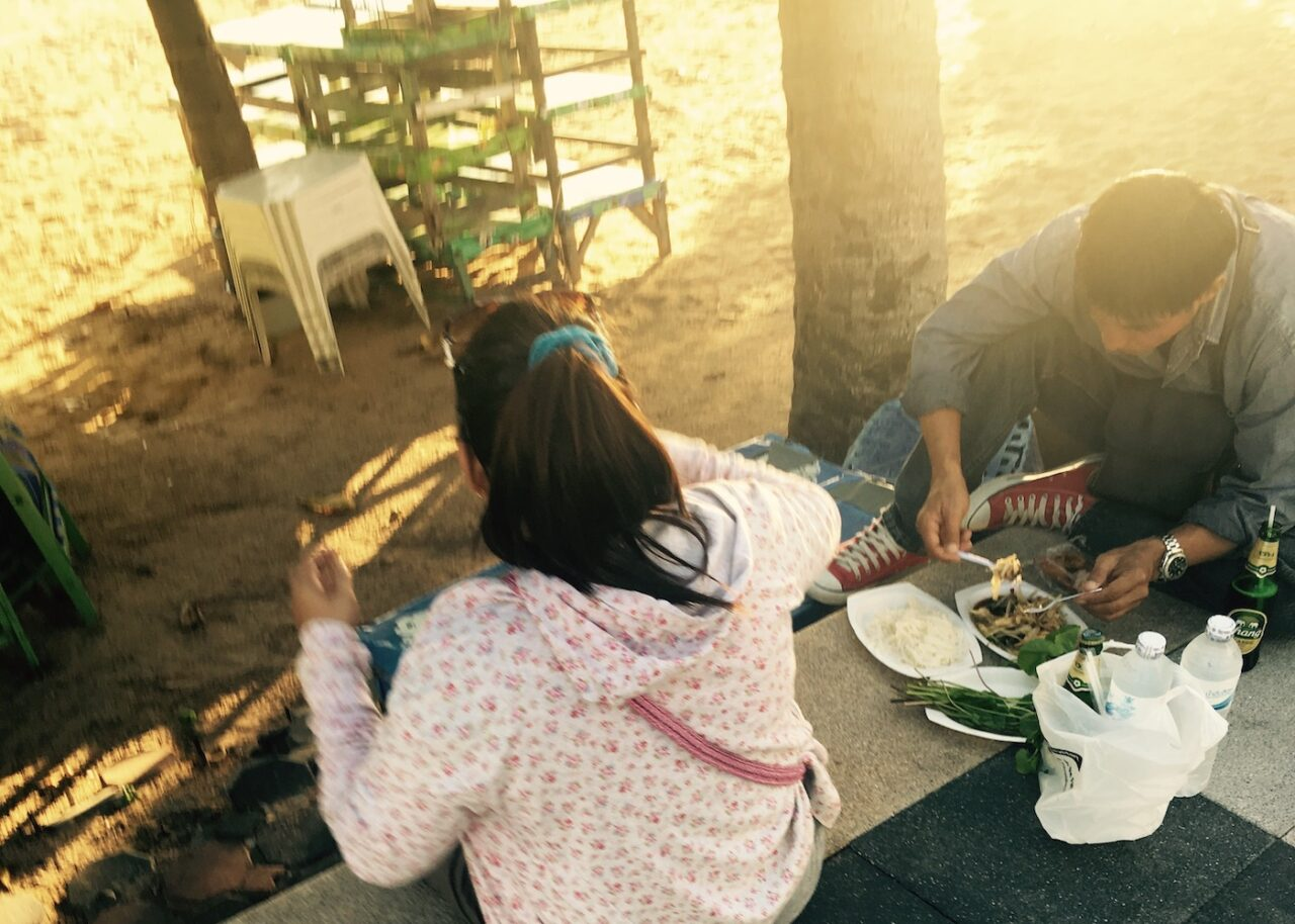 Sunset picnic on the boardwalk – it_s all the rage