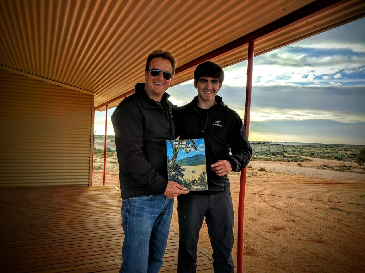 William Creek – we finally get to use the Sat Phone – no cell service – we gone outback